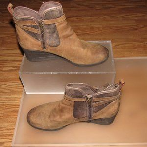 UGG Emalie Stout Waterproof Leather Ankle Boots 11